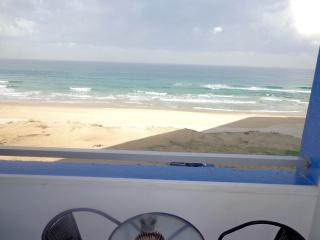Perfectseaview, Bat Yam