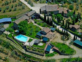FarmHouse near CHIANTI and SIENA FRANTOIO, Montebenichi