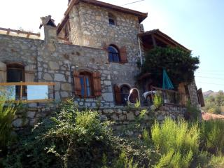 Vllla Manzara-Stone Villa Top Floor