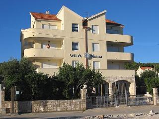 Apartments - Villa Marina R1 Slatine