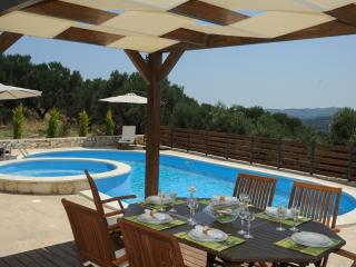 Luxury Villa,Private Pool & Stunning SeaView,3 bedrooms,BBQ,Wifi,Quiet Location, Chania Prefecture