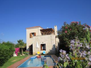 Stylish  LOTUS villa, near Rethymno, beaches, restaurants, LONG-TERM renting., Prines