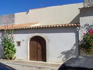 Traditional island house near beach, Isla de Ré