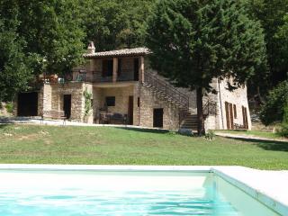 Villa La Quercia, Todi (Canonica)