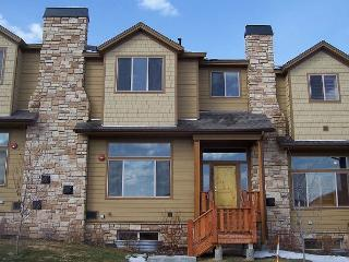 4BR/3.5BA Remarkable Bear Hollow TownHome with Hot Tub, Park City, Sleeps 10
