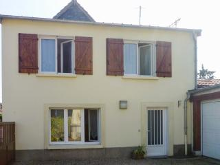 Lovely Normandy house near lake, Louviers