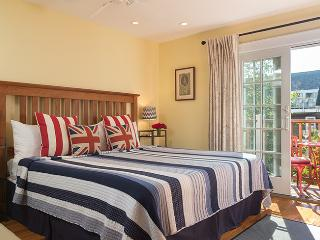 Center of Town! British Style Condo - George, Provincetown