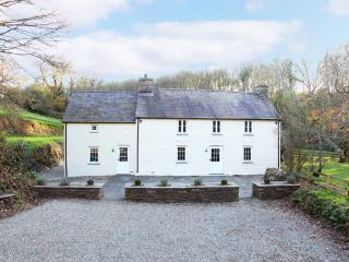 Glandwr is Experience-Môr's flagship property, a spacious listed farmhouse. Just refurbished to 5*