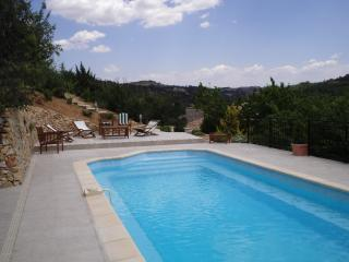 THE VILLA IS AT ON A LEVEL WITH THE GARDEN. QUALIT, Esparron de Verdon