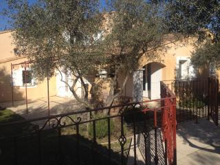 L'oliveraie, Pertuis