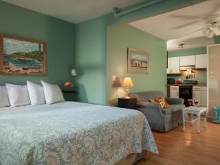 Center of Ptown - Ground Floor Apartment - Grace, Provincetown
