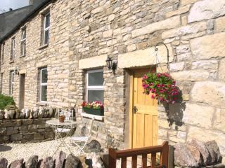 C17th Cumberland Cottage - Pet friendly, Fast Wi-fi, near The Lake District.