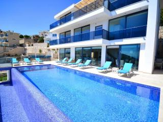 Luxury holiday villa in Akbel kalkan,sleeps:12-127, Kalkan