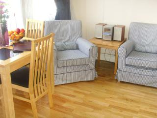 1 Bedroom Self Catering Apartment with balcony, London