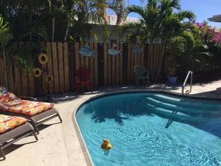 Su Casa by the Sea - Walk to Beach, Dining, Shopping!, Lauderdale by the Sea