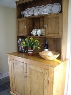 Working cottage dresser