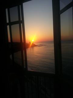 amanecer maravilloso desde la cama