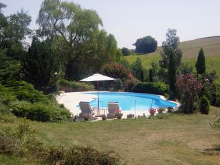 Secluded Gascony farmhouse with pool, Eauze