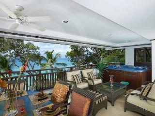ELEGANTLY FURNISHED BEAUTIFUL BEACHFRONT APARTMENT, Paynes Bay