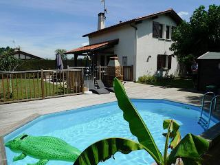 Holiday home with pool near Hossegor, Seignosse