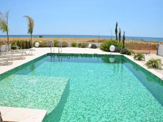 Sunrise front line villa with pool and WiFi