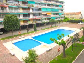 Voramar. apto para 6 con piscina comunitaria, Sant Andreu de Llavaneres