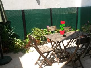 BONITO apartamento 2 hab. 2 baños, WI-FI,  terraza, Barcelona