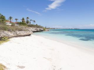 Aruba Beachfront home in The Colony ***** with daily housekeeping*****