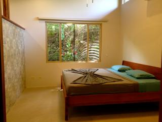 Guiones Beach Bungalow with Saltwater Pool+kitchen, Nosara