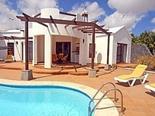 Villa , Private Heated Pool, Air con, Free WiFi, Sat TV BBC, ITV ,Movies, Sport