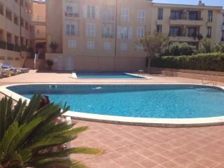 Es Castell 2 bed 2 bath, 2 pools, harbour views