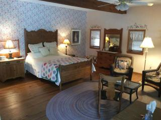 Vintage Barn Ozark Vacation Rental