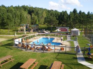 14Blueberry Lake Papineau Chalet, Labelle