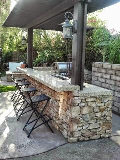 Outdoor kitchen, bar and bbq