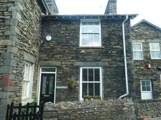 LITTLE BROOK COTTAGE, Bowness on Windermere