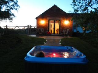 RED STABLES (Hot Tub), Aikton, Near Carlisle, Orton Grange