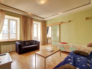 Cozy one-beroom apartment (330), St. Petersburg