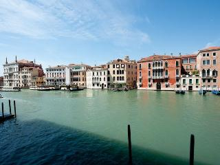 Ca' Corner Gheltoff - Luxury and Extremely large apartment on the Canal Grande