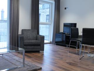 Elegant 2bed/2 bath Apartment at Shoreditch Square