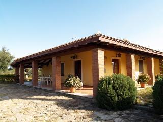 Casa di campagna per vacanze relax nel verde, Bari Sardo