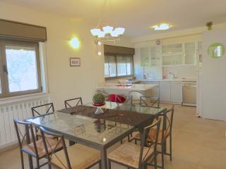 Spacious 3 bedrooms flat in Katamon, Jerusalem