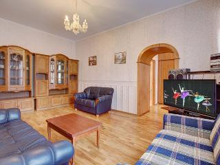 2 bedroom apartment on Nevsky 81