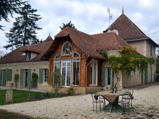 Dordogne Grand House - Panoramic View and Pool, Bergerac