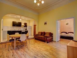 3-rooms apartment on Liteiny prospect 59, San Petersburgo