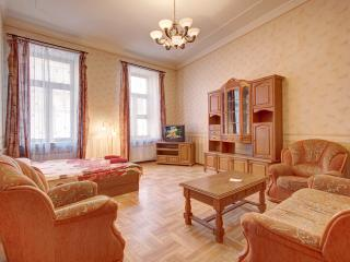 Three-roomed flat on Karavannaya street, St. Petersburg
