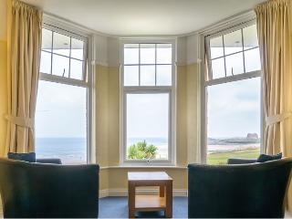 LOUNGE WITH SEA VIEWS OVER FISTRAL BEACH