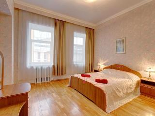 2bedroom apartment on Volynsky, St. Petersburg