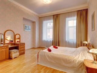2bedroom apartment on Volynsky (358)