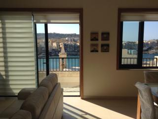 Seaside Aparment for Summer Holidays - Marsalforn Gozo