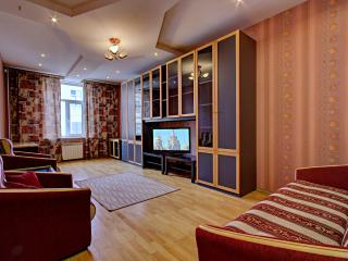 Cozy two bedroom apartment(372), San Petersburgo